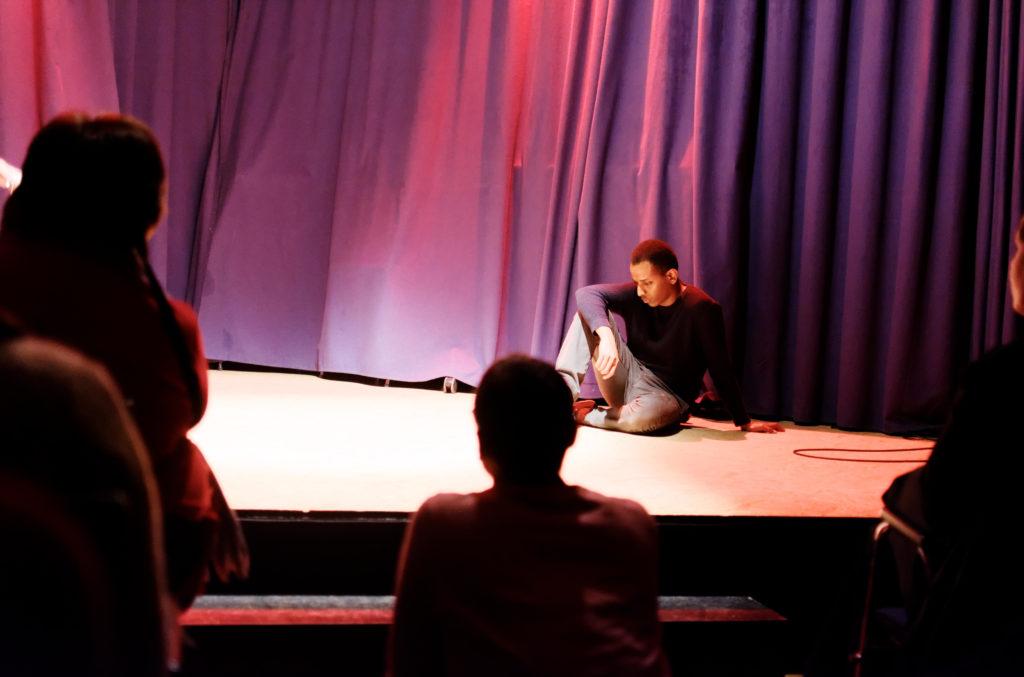 Karoon Theaterspieler